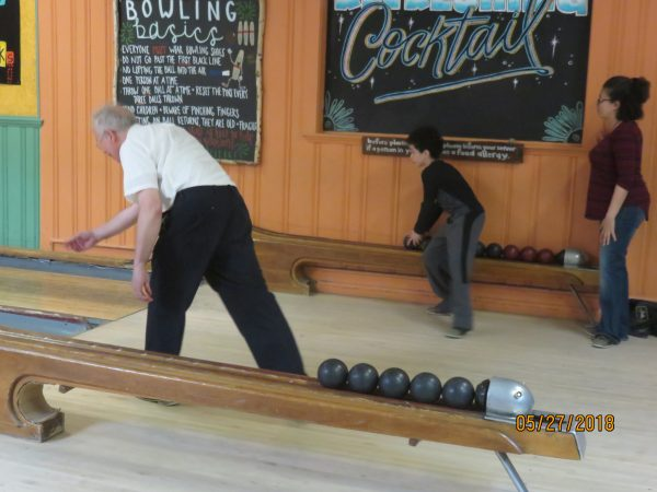 Candlepin bowling at its best